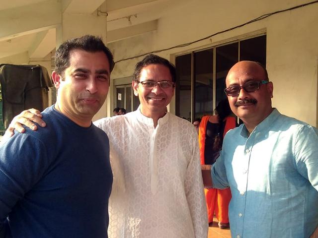 varun chopra jagdish mitra with member of veterans sports club kolkata